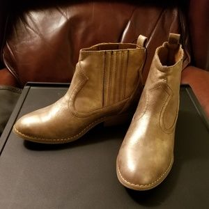 Women's Metallic Brushed Gold Western Ankle Boots